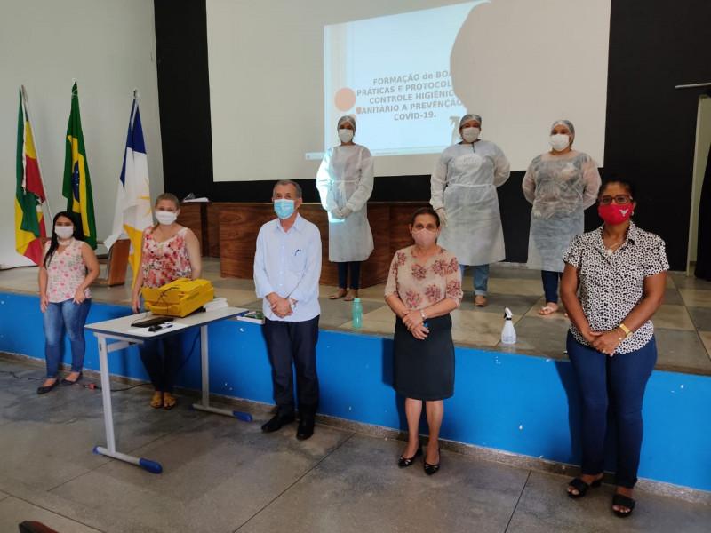 Curso de Formação de Boas Práticas e Protocolos de Controle Higiênico Sanitário à Prevenção do Covid-19 realizado para as ASGs
